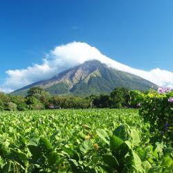 On surfe sur les volcans au Nicaragua !