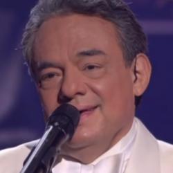 Mexique : Hommage au prince de la chanson José José