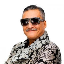 Roberto nous présente les reprises de tubes latinos préférés du Latino Show!
